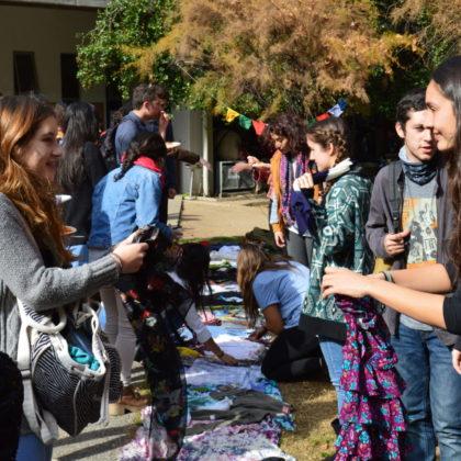 """""""Gratiferia"""" en Sociales y la reutilización como alternativa sustentable"""