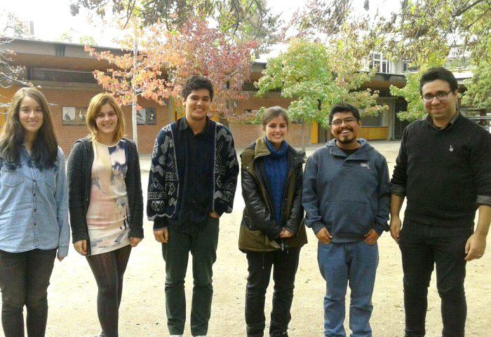 (de izquierda a derecha) Miembros de Torrent(e) junto al académico ISUC Mario Quilpatay.